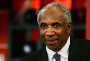 frank robinson 2 300x204 Frank Robinson, Baltimore Orioles Hall of Famer, dies at 83